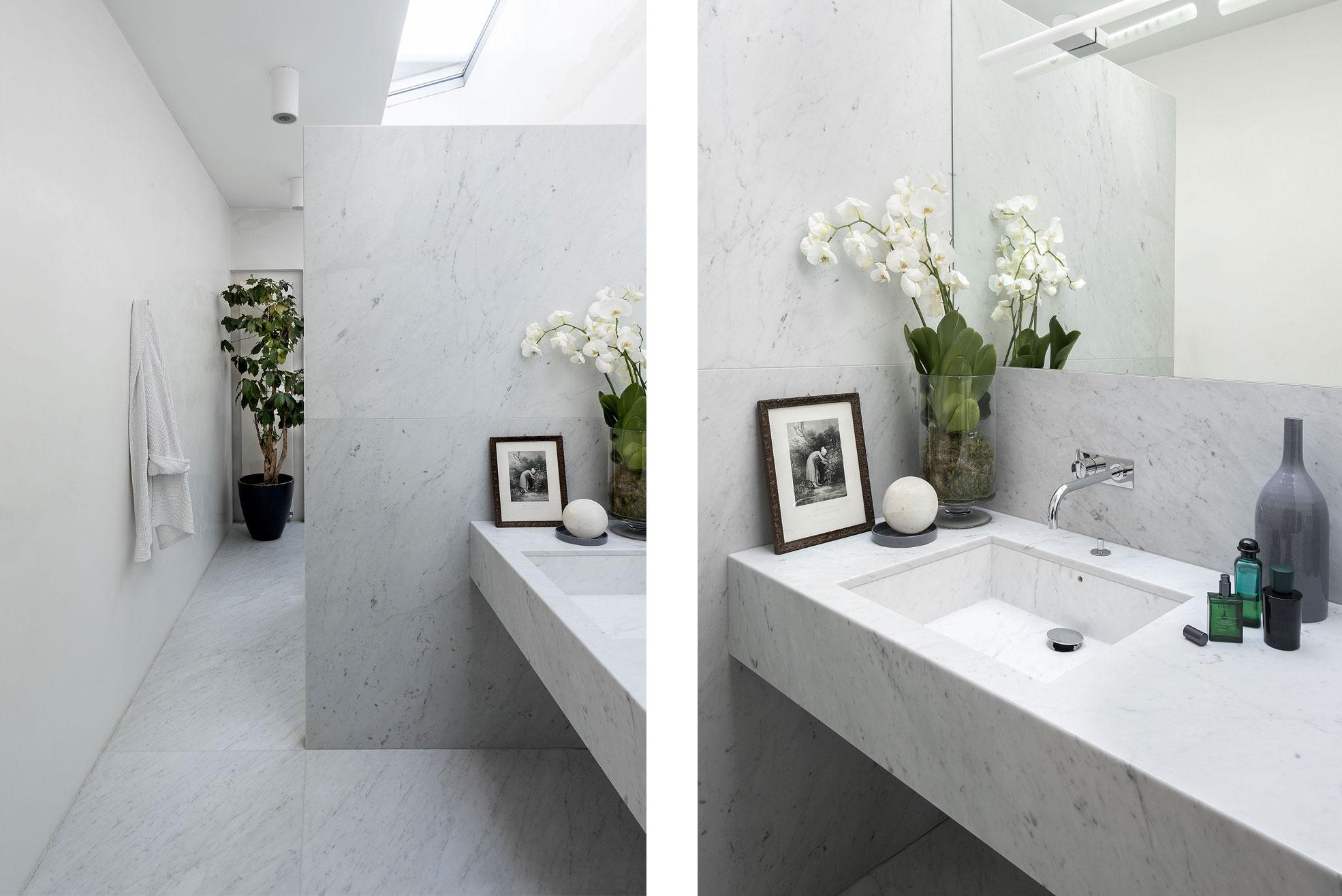 bathroom in the concrete and minimalist villa of Rosalba Piccinni Photographer Maria Teresa Furnari