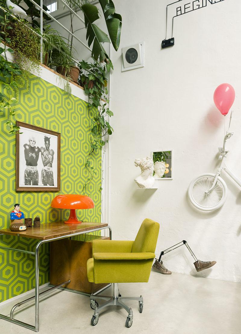 desk corner and modern art pieces in Cinema Flora Photographer Maria Teresa Furnari