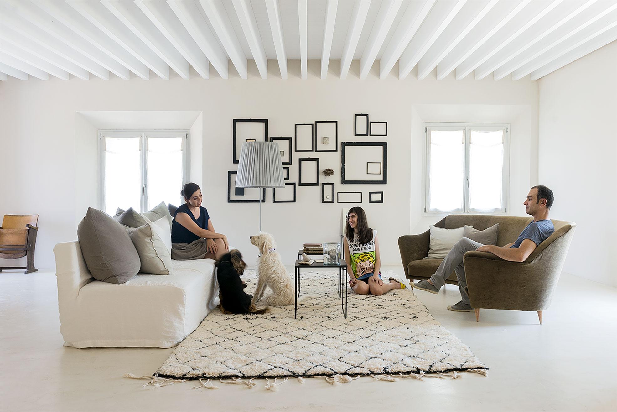 The family owner of Malatetsa in their living room Photographer Maria Teresa Furnari