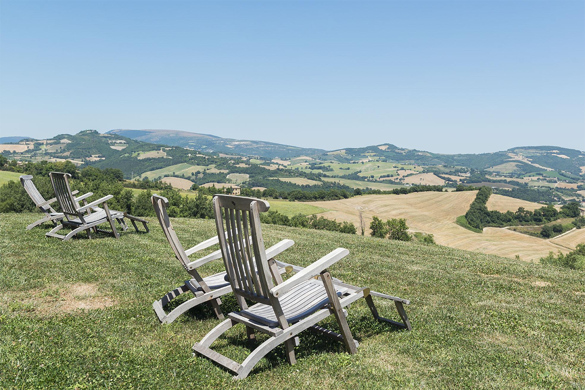 View of the marche hills from Malatetsa Maison de Charme Photographer Maria Teresa Furnari