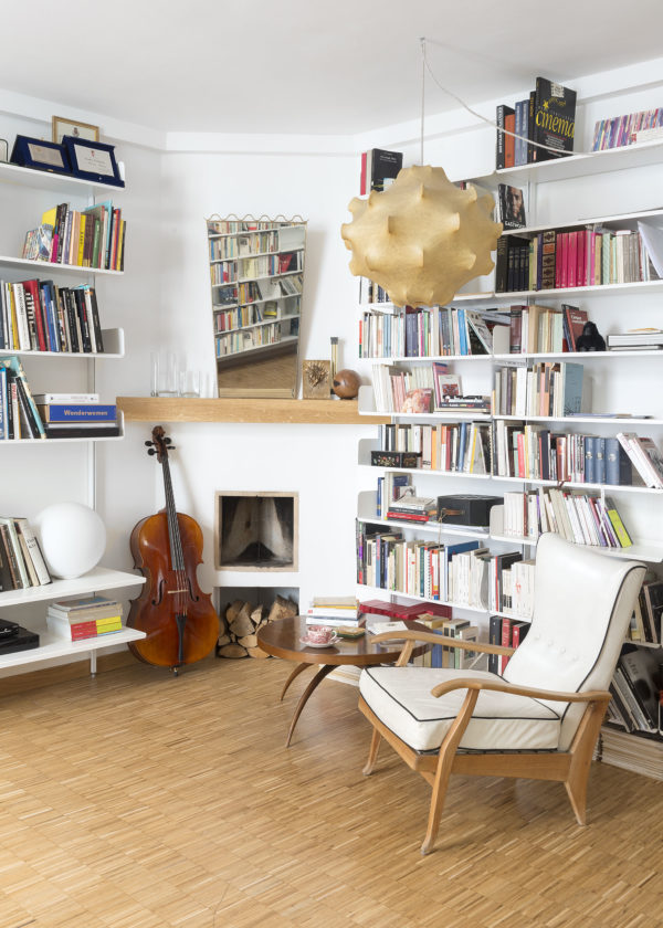 Library in the livingroom of Federica Fracassi's Home Photographer Maria Teresa Furnari